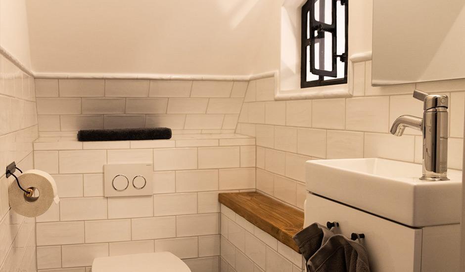 WC im Hoheneichen Hohwacht Reetdach Ferienhaus an der Ostsee